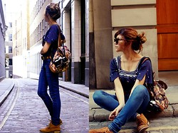 Stefany A - Camden Market Backpack, New Look Boots, Primark Blouse - Maria Ninguém