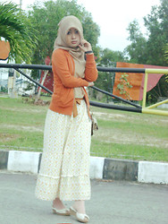 Nona Key - Unbranded, Unbranded Floral Long Dress, Haicoon Hijab - JuzZ Orange