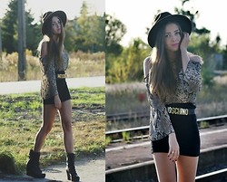 Kasia Szymków - Top, Boots, H&M Skirt, Moschino Belt, Vintage Hat - In love with ssssnake