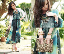 Kryz Uy - Mango White Puff Shoulder Cardigan, Romwe Galaxy Dress, Island Girl Necklaces, Zara Sequined Bag, Sm And Cole Vintage Bracelets, Michael Antonio Gold Glitter Pumps - Its a Mango Galaxy