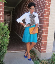 Tori Shalea' - Gap White Blouse, Random Teal Skirt, Vintage Leather Clutch, H&M Leopard Scarf, Guess? Royal Suede Pumps - TEAL APPEAL!