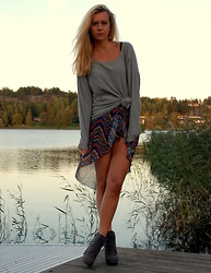 Fanny Staaf - H&M Sweater, In Love With Fashion Skirt, Roots Boots - PATTERN
