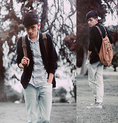 TAto Prado - Tennis Bag, Black Cardigan, Zara Navy Blue Striped Shirt, Levi's® Ice Blue Jeans - Mr Owl