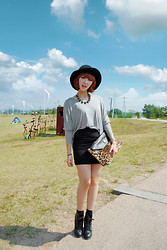 Yoo Hanseon - H&M Floppy Hat - Sky high, Fall