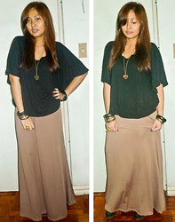 Carrie Rivera - Black Top, Maxi Skirt, Bangles, Leopard Heart Necklace - Fashionably Slacked