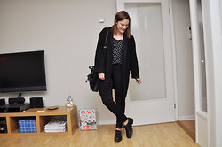 Johanna B - H&M Jeans, Monki Coat, Din Sko Shoes - Black and white and some dots