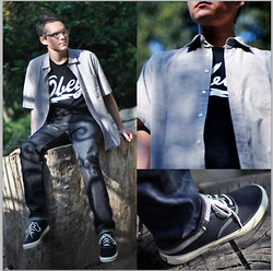 Brendon Williams - Christian Dior Retro Checkered, Obey, Levi's® Matchstick, Sperry Topsider 75th Anniversary Cvo Black - The Walk