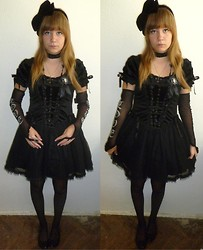 † Violet Dusk † - Sinister Dress, Love And Hate Gloves, Found :D Broche, H&M Bow - I want to see your funeral