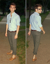 TotesFerosh ! - Urban Outfitters Mock Readers, American Eagle Chambray Button Down, Bdg Herringbone Tweed Trousers, Sperry Topsider Boat Shoes - Summer nights in October
