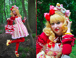 Elodie De Frise - Gothic Lolita Wigs Golden Hime Gyaru Wig, Angelic Pretty Red Cutsew, Angelic Pretty Sweet Ribbon Strawberry, Red Tights, Angelic Pretty Ichigo Millefeuille Bag, Dreamv Yellow Heels - Promenons-nous dans les bois ... ♫