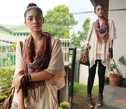 Aileen Belmonte - H&M Poncho Top, Floral Scarf With Tassels, Jag Dark Skinny Jeans, Figliarina Gladiator Heels, People Are Suede Bracelet With Tassels - Ponchos and Tassels
