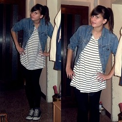 Vana Radić - H&M Striped Shirt, Converse Black - Stripes and Jeans.