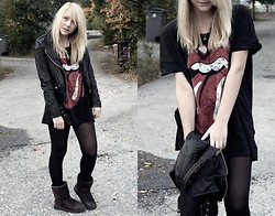 Frida G - Borrowed From A Friend Tshirt, Jofama By Kenza Leather Jacket, Sheperd Shoes, Random Necklace - I'VE COME TO AN END