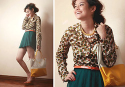 Bea Benedicto - Divisoria Yellow Shell Necklace, Polo Retro, Bangkok Green Skort, Cmg Orange Wedges - Happy Pumpkin