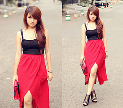 Anastasia Siantar - Queenbee Shop Red Skirt, Cotton On Cropped Corset, Aldo Shoes - Hard in tango