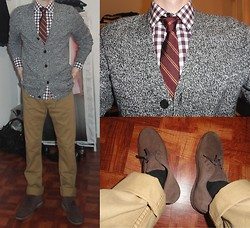 Ross D - H&M Elbow Patch Cardigan, Express Dress Shirt, Penguin Slim Tie, H&M Chinos, Clarks Bushacres - New Layers
