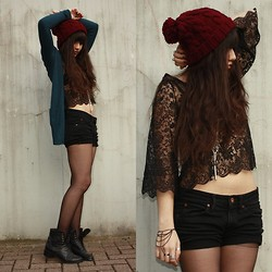 Sabrina Lopez - Secondhand, H&M Bracelet, H&M Lace, Pimkie Hat, Made By Sarah Neklace, Zara Cardigan, Selfmade Cross Shorts - Cassius - I Love You So