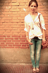 Barbara G - Blanco Bag, Zara Blouse, Sfera Necklance, Pull & Bear Jeans, Primark Belt, Pull & Bear Sandals - Another brick in the wall.