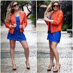 Giovanna Pugliesi -  - Orange jacket