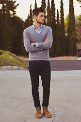 Edward Honaker - H&M Sweater, Just A Cheap Shirt, Kasil Workshop Jeans, Clarks Boots - Aiming High