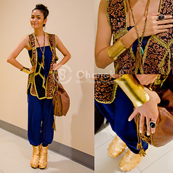 Chanok S - No Name Cotton Jumpsuit., 2nd Hand Market Vintage Leather Vest., Forever 21 Leather Necklace., Golden Bangle., Zara Shoulder Bag, Chanoks. Golden Bootie Wedges. - Look at my Gold, Look at my Golden scale bootie wedges.