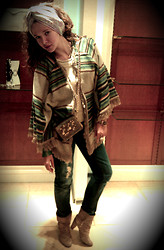 Daree H.I. - Topshop Poncho, Miss Sixty Bag, D&G Jeans, Friends Brougt It From Turkey Scarf Made As A Turban - Turban?