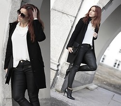 Therez Hahlin - Marc By Jacobs Clutch, Din Sko Ankle Boots, Zara Pants, Gina Tricot Turtle Neck Top, Wera Sthlm Blazer, Asos Sunglases - Black and white - just the way i like it