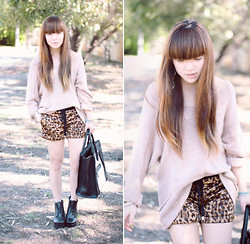 Willabelle Ong - Romwe Leopard Print Shorts, Dusty Pink Sweater - Feline