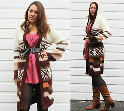 Debi LuAnne - Southwestern Hooded Duster, Matisse Leather Boots, Thrifted Vintage Belt, Tresics Tunic Tank - I miss you most my darling when autumn leaves start to fall