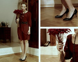 Domi La Petite - American Apparel Green Bow, Vero Moda Burgundy, Zara Green Leather Court Shoe, My Boyfriend Dired Flowers - Like a dried flower