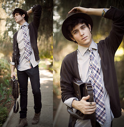 Adam Gallagher - Hat, Shirt, Tie, Cardigan - The Traveler