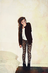 Joelle Poulos - Mumma Cardi, Forever 21 Top, Ebay Leggings, Jeffery Campbell Litas - Watching Stars Collide