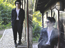 Nicklas Due - Mtwtfss White Layer Shirt, Mtwtfss Black Cottonjacket, Second Hand Black Pants, Dr. Martens Black Boots, Somewhere In London Black Hat, Asos Black Sunglasses - #12