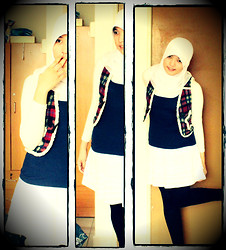 Nee-chan Annisa Yuwanda - White Hijab, White Skirt, Vest, Dark Blue Sleevless - Star pocket vest