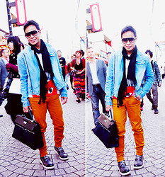 Dennis Robles - Costume National Grey Combat Boots, Balenciaga Aviators, Hermës Kelly Lakis 40cm, Zara Etrusque Pants, Comme Des Garçons Play Shirt, Zara Denim Jacket, 5cm Black Scarf - Tokyo look #347
