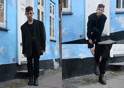 Oliver Anton - Dads Old Suede Blazer, Horze Boots, Zara Pants, American Apparel Belt, Cos Tee - Oversized