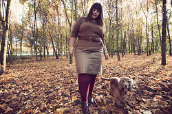 Stephanie - BigBeauty Zwicky - Soft Grey Jumper, Big Beauty For Taillissime Skirt, Love Tights, Taillissime Belt - + Camel Academy +
