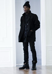 Mougabe Saint Louis - Uniqlo Black Skinny Denims, Versace Black Boots, Street Vendor Skully, Topman Black Trench, United Colors Of Benetton Black Oxford, Club Monaco Black Cardigan - SVINT NOIRE'