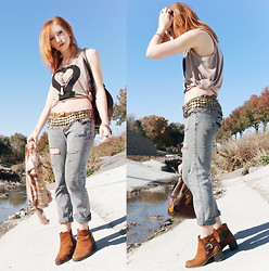 Casey Kaufman - Youreyeslie Top, Vintage Coin Belt, Diy Jeans - AUTUMN IS BI-POLAR