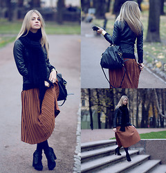 Anna Vershinina - Vintage Skirt, Topshop Heels - It's a Silent Time of Year