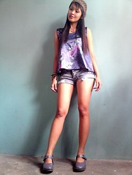 Francia Lailanie Boayes - Grandma's Bonnet, Forever 21 Top, Levi's® Denim Shorts - Grandma's Bonnet For Today