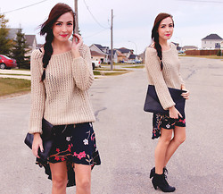 Breanne S. - Romwe Knit Sweater, Romwe Envelope Bag, Thrifted Fishtail Skirt - DAHLIA