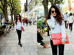 Olivia Lopez - Sequin Sparkly Sweater, Karen Walker Sunglasses, House Of Harlow Ankle Boots - Shopping in harajuku