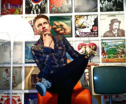 Niko Rantanen - Ra Re Embellished Shirt, Converse Tennis Shoes, Thomas Sabo Skull Ring, Dolce & Gabbana Jeans - Retro