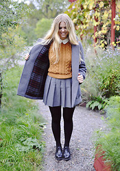 Flora W - Asos Jumper, Gloverall Duffle Coat, Vagabond Brouges, American Apparel Shirt, Vintage Pleated Skirt - Helplessly hoping.