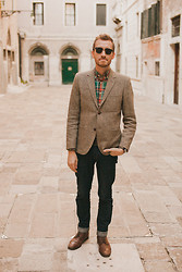 Stay Classic - H&M Tweed Blazer, J. Crew Plaid Button Up, Doctrine Denim Jeans, Topman Boots, Ray Ban Clubmasters - October 21, 2011. Venice, Italy.
