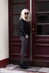 Josephine M. - Market Revival Jacket, Zara Jeans, Opening Ceremony Boots, Ray Ban Glasses - Blonde