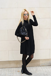Estefania Ainoza - H&M Dress, Marc By Jacobs Bag, Moony Mood Shoes - Lady in black