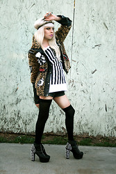 LUNA LOVEBAD - U.S. Hey! Crucifix Flag Top, J Campbell Spiked Litas - Compton barbie