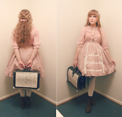 Ilona Leppänen - Innocent World Skirt, 2nd Hand Shirt - Porcelain doll goes out to drik teapunch